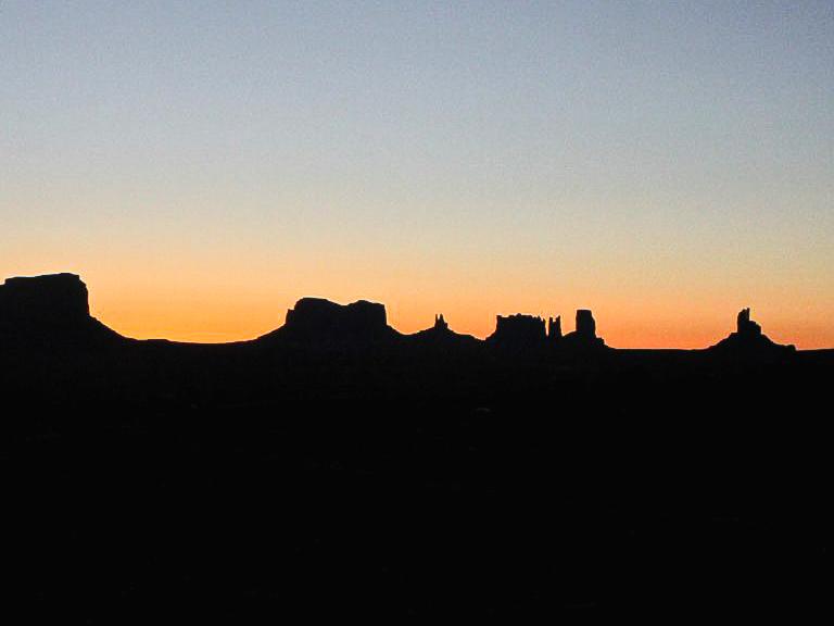 Alba alla Monument Valley