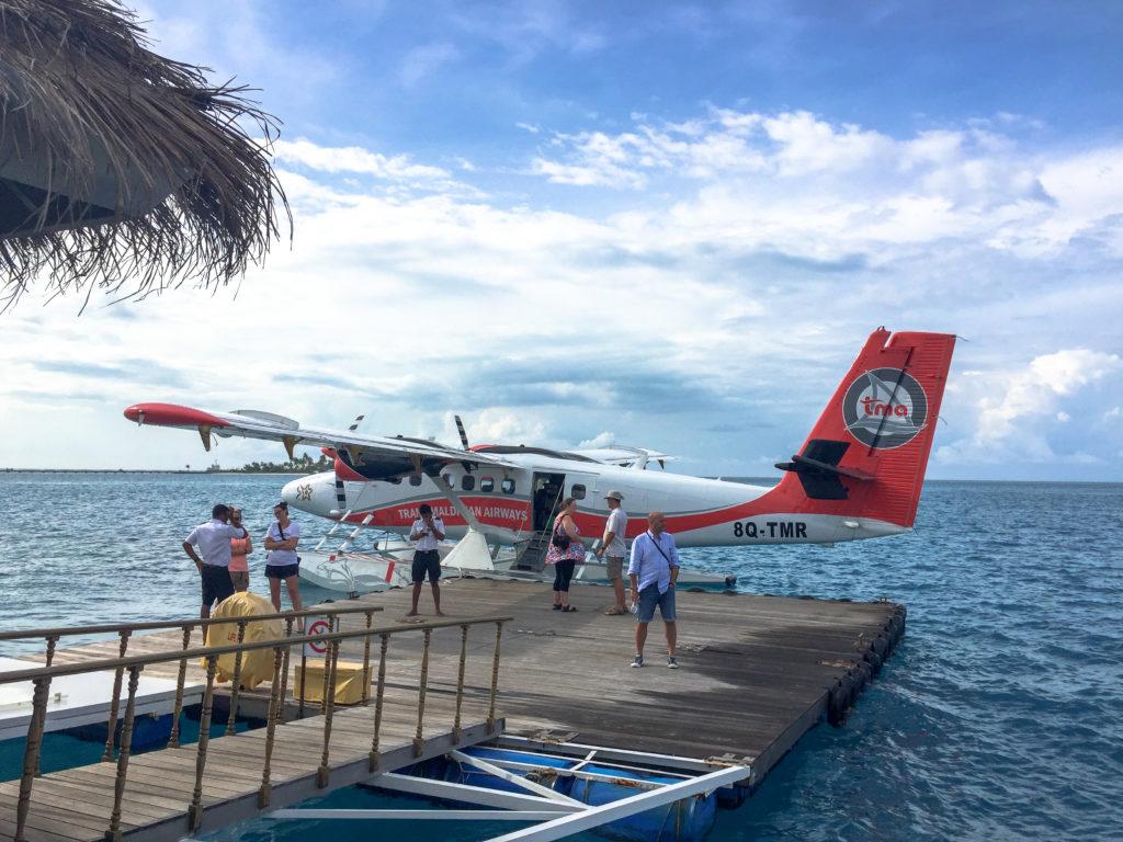 Maldive quale isola scegliere Arrivo con l'idrovolante al Maafushivaru Maldive