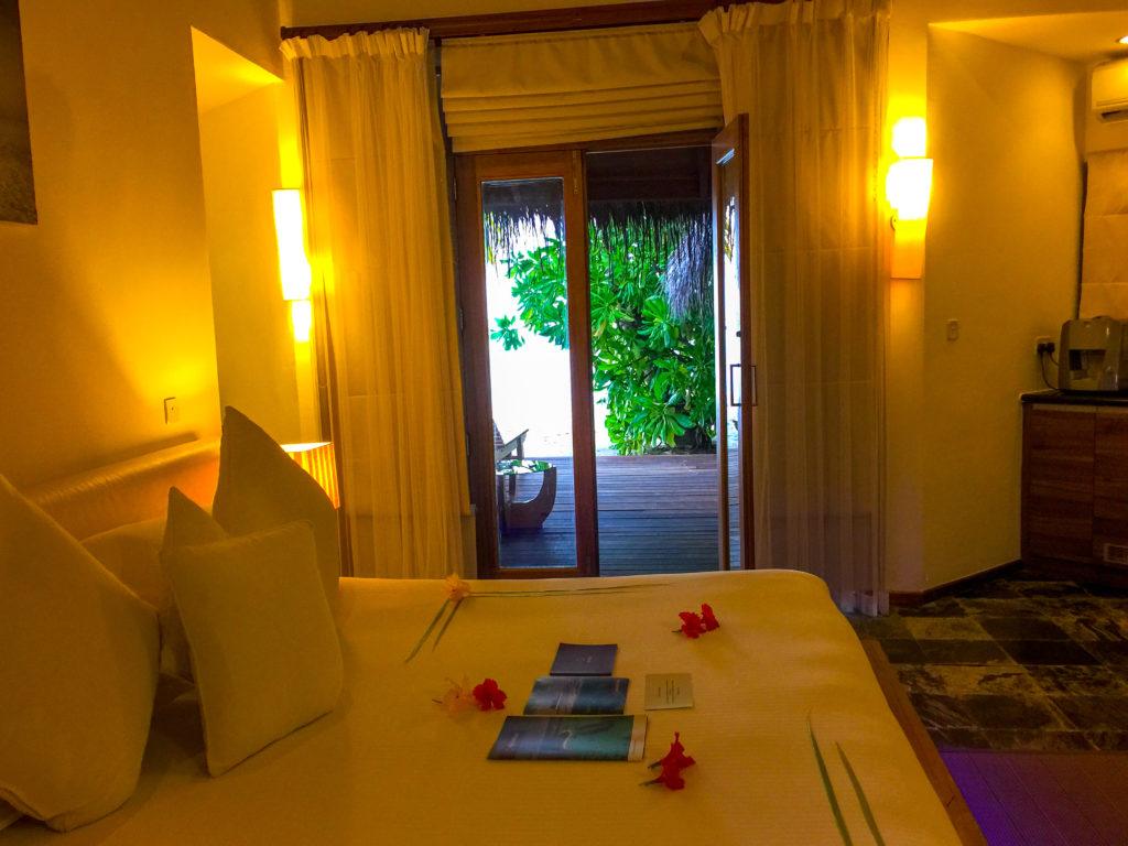 Maldive quale isola scegliere La camera del nostro bungalow Maafuscivaru