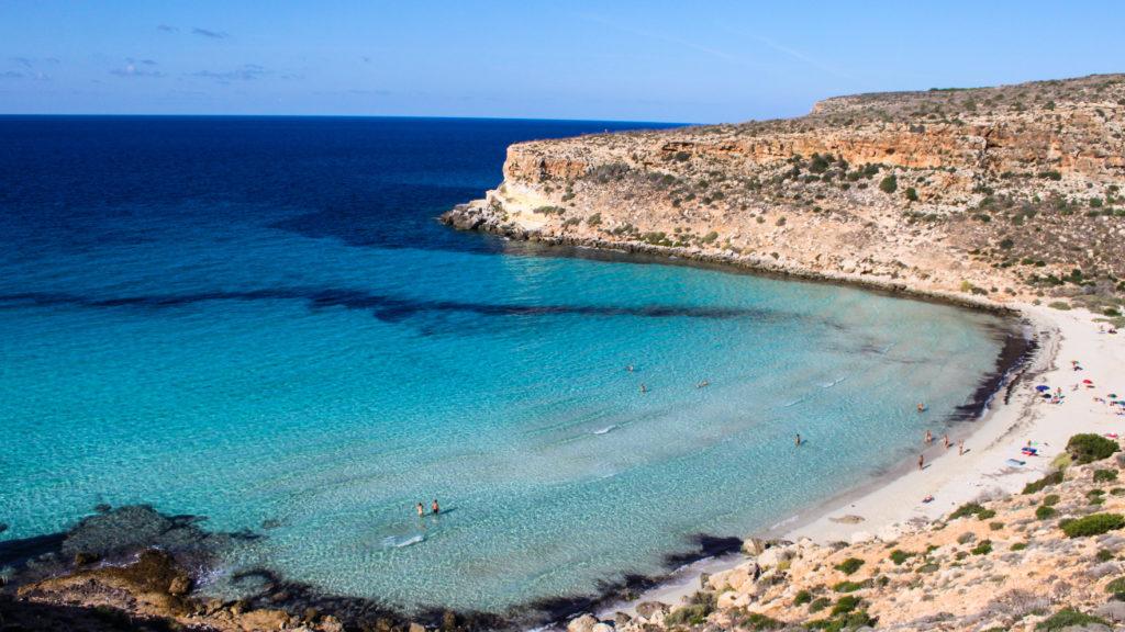 Lampedusa, la spiaggia dei conigli