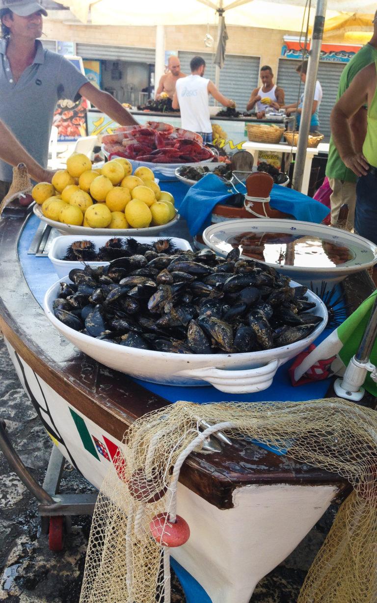 il mercato del pesce a Gallipoli