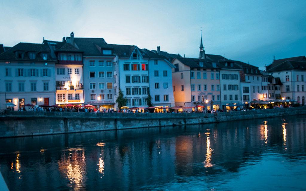 Solothurn by night, vista Sull'Aare e sulla Cattedrale Sant'Orso