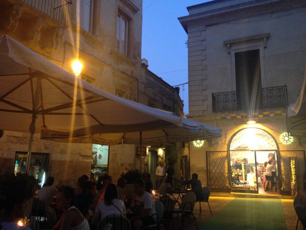 La piazza all'ombra del Barocco, Lecce