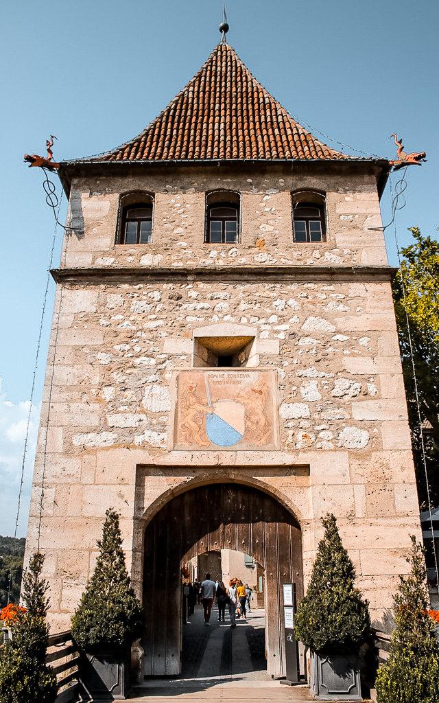 entrata-castello-laufen-reno-sciaffusa-svizzera