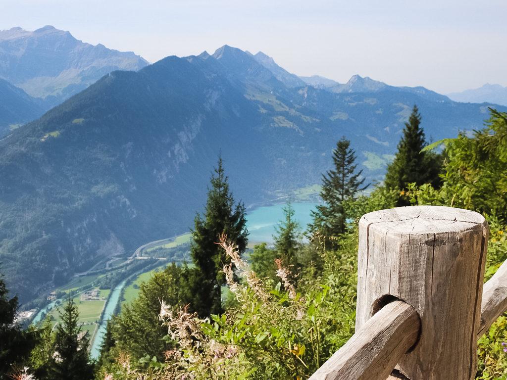Vista spettacolare dall'Harder Kulm sui laghi di Brienz e di Thun