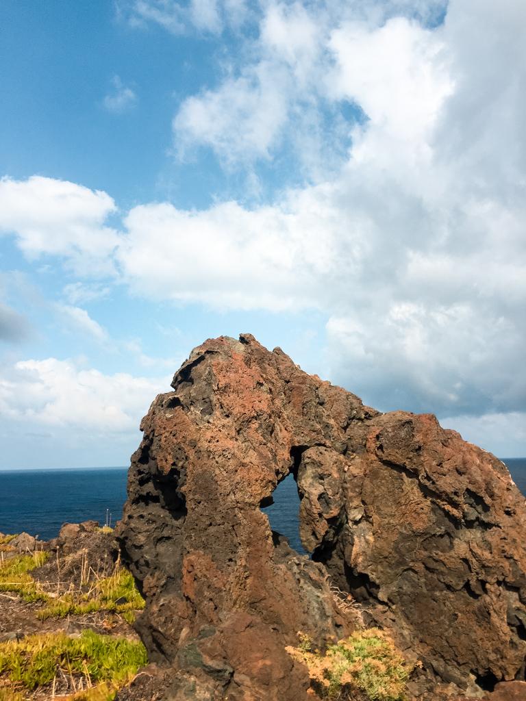 Le sculture sulle rocce - Pantelleria
