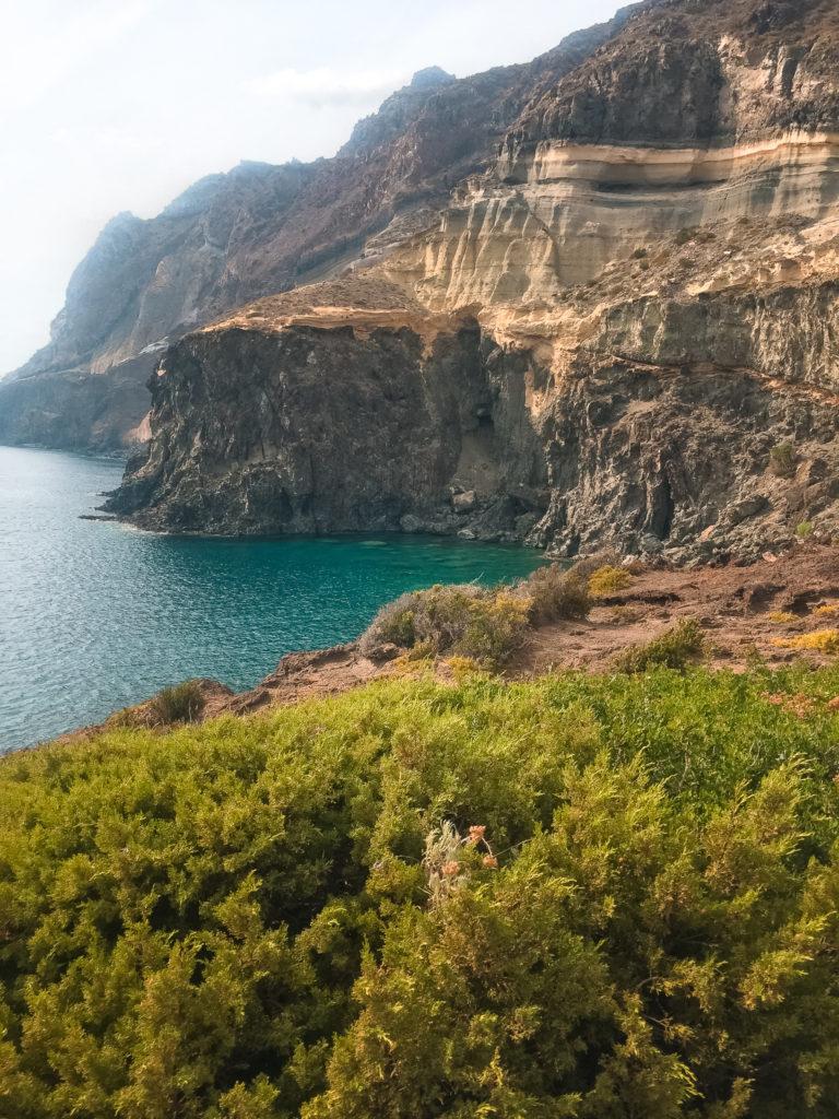 Scogliere a picco sul mare - Pantelleria