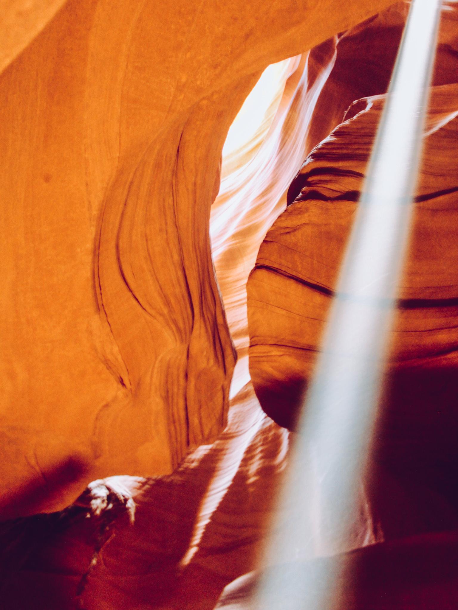 La sabbia che scende all'Antelope Canyon