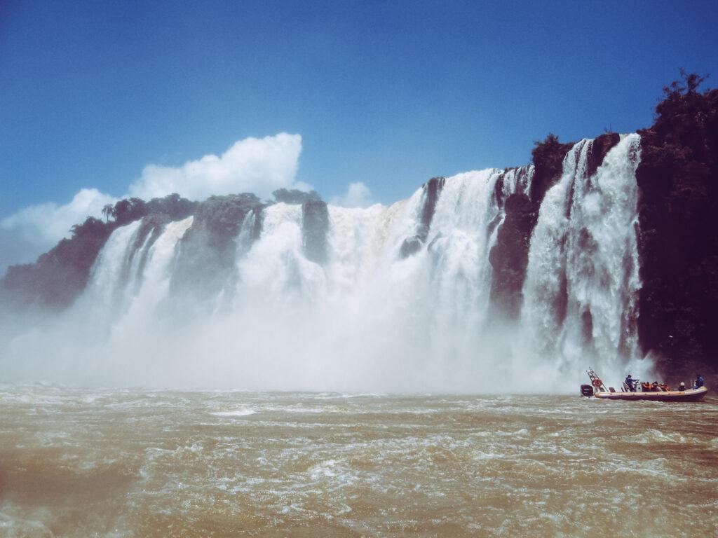La potenza delle cascate di Iguazu
